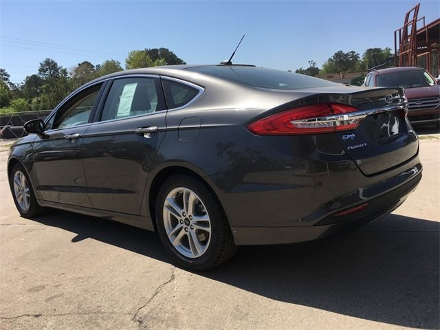 2018 Ford Fusion SE 4 Door Automatic EcoBoost 1.5L I4 GTDi DOHC Turbocharged VCT Engine Sedan FWD