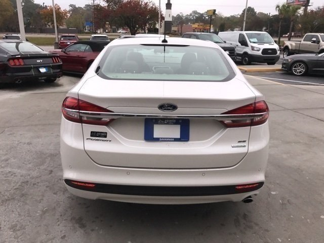 2018 White Platinum Metallic Tri-Coat Ford Fusion SE Sedan FWD Automatic