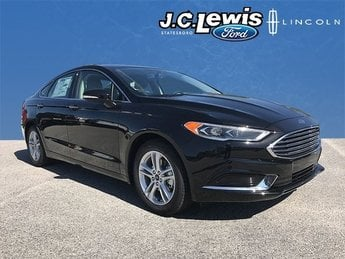 2018 Ford Fusion SE EcoBoost 1.5L I4 GTDi DOHC Turbocharged VCT Engine 4 Door Sedan FWD