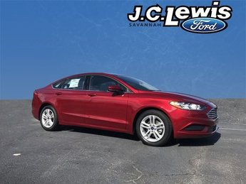 2018 Ruby Red Metallic Tinted Clearcoat Ford Fusion SE Automatic EcoBoost 1.5L I4 GTDi DOHC Turbocharged VCT Engine Sedan FWD