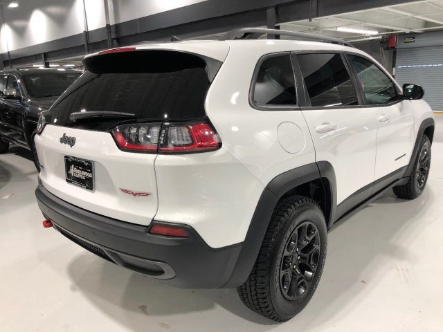 2019 Bright White Clearcoat Jeep Cherokee Trailhawk SUV 4 Door Automatic Intercooled Turbo Premium Unleaded I-4 2.0 L/122 Engine