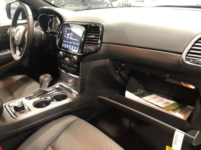 2019 Jeep Grand Cherokee Upland Regular Unleaded V-6 3.6 L/220 Engine 4 Door Automatic