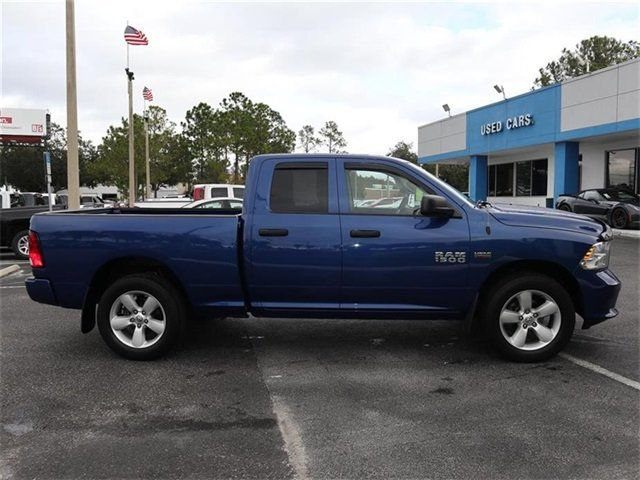 2015 Ram 1500 Express HEMI 5.7L V8 Multi Displacement VVT Engine Automatic Truck 4X4 4 Door