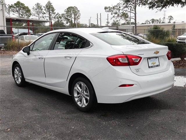 2019 Summit White Chevy Cruze LT FWD Automatic 4 Door Sedan 1.4L 4-Cylinder Turbo DOHC CVVT Engine
