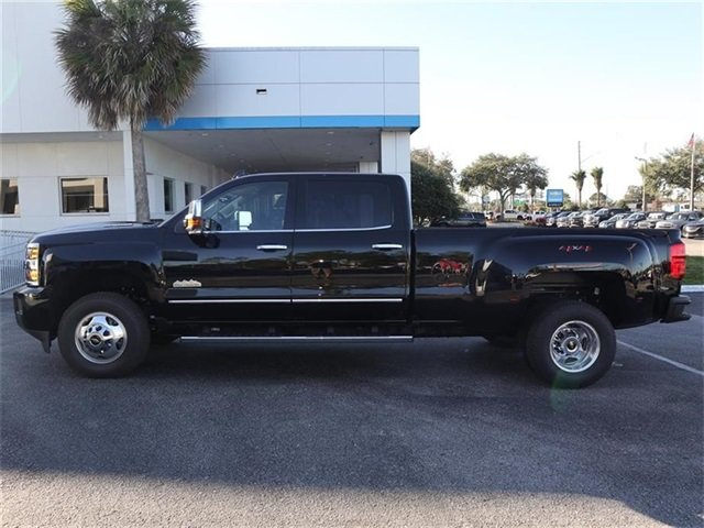 2019 Black Chevy Silverado 3500HD High Country Duramax 6.6L V8 Turbodiesel Engine Automatic Truck 4X4