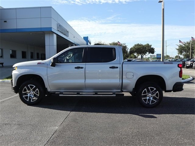 2019 Silver Ice Metallic Chevy Silverado 1500 LT Trail Boss EcoTec3 5.3L V8 Engine 4 Door Automatic