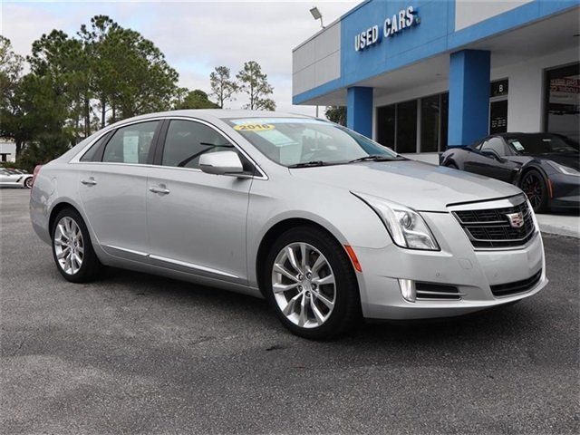 2016 Radiant Silver Metallic Cadillac XTS Luxury Collection 4 Door Sedan AWD 3.6L V6 DGI DOHC VVT Engine Automatic