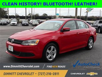 2014 Red Volkswagen Jetta TDI FWD 4 Door 2.0L TDI Diesel Turbocharged Engine