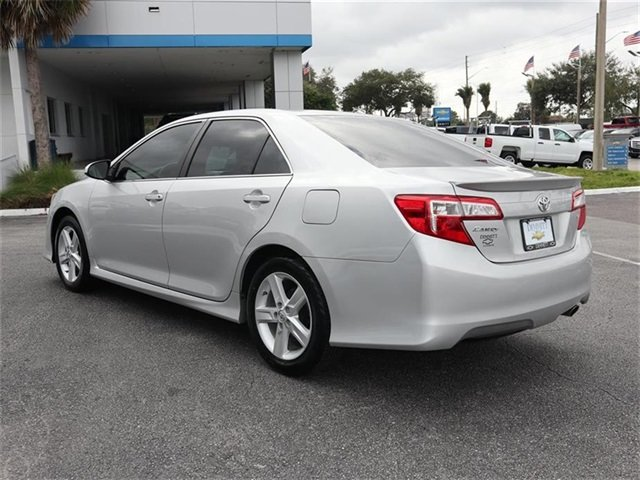 2013 Classic Silver Metallic Toyota Camry SE 2.5L I4 SMPI DOHC Engine Sedan FWD 4 Door Automatic