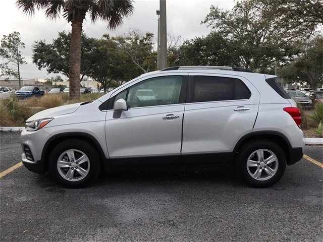 2019 Silver Ice Metallic Chevy Trax LT 4 Door FWD Automatic