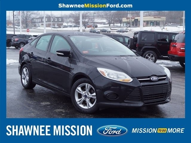 2014 Ford Focus SE Sedan 4 Door Manual FWD