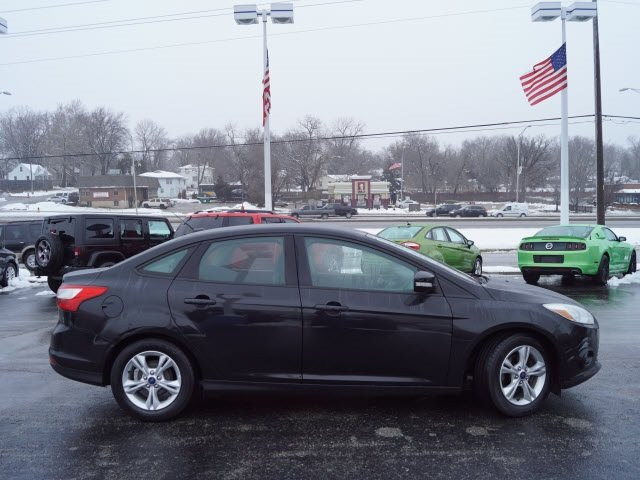 2014 Ford Focus SE Manual 2.0L 4-Cylinder DGI DOHC Engine 4 Door Sedan