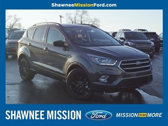2019 Magnetic Metallic Ford Escape SE 4 Door EcoBoost 1.5L I4 GTDi DOHC Turbocharged VCT Engine FWD Automatic SUV