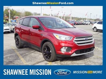 2019 Ruby Red Metallic Tinted Clearcoat Ford Escape SE FWD 4 Door Automatic SUV EcoBoost 1.5L I4 GTDi DOHC Turbocharged VCT Engine