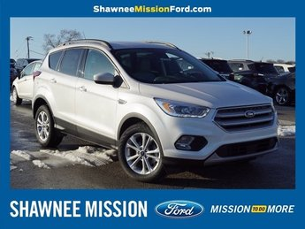 2019 White Platinum Metallic Tri-Coat Ford Escape SEL FWD EcoBoost 1.5L I4 GTDi DOHC Turbocharged VCT Engine Automatic 4 Door SUV