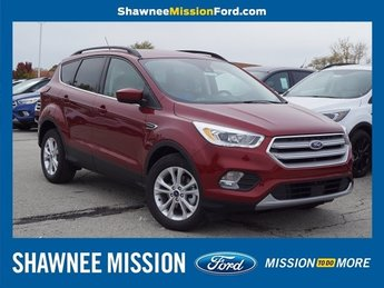 2019 Ruby Red Metallic Tinted Clearcoat Ford Escape SEL SUV FWD EcoBoost 1.5L I4 GTDi DOHC Turbocharged VCT Engine