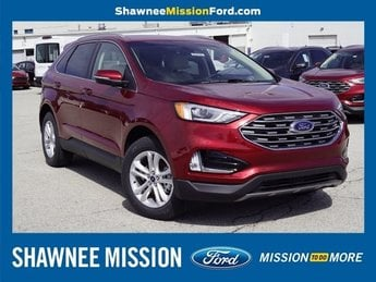 2019 Ruby Red Metallic Tinted Clearcoat Ford Edge SEL 2.0L Engine 4 Door FWD