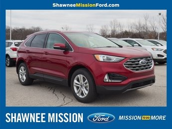 2019 Ruby Red Metallic Tinted Clearcoat Ford Edge SEL AWD SUV 2.0L Engine