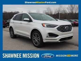 2019 White Platinum Metallic Tri-Coat Ford Edge Titanium AWD Automatic 2.0L Engine SUV