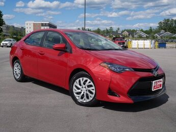 2018 Barcelona Red Metallic Toyota Corolla LE 1.8L 4 cyls Engine Sedan Automatic (CVT) FWD 4 Door