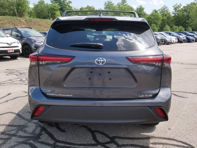 2020 Magnetic Gray Metallic Toyota Highlander LE 3.5L V6 Engine 4 Door Automatic AWD
