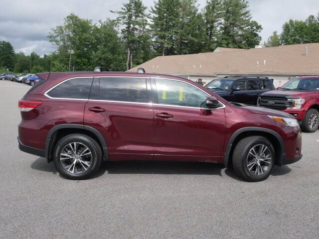 2018 Predawn Gray Mica Toyota Highlander LE 4 Door SUV AWD 3.5L V6 Engine
