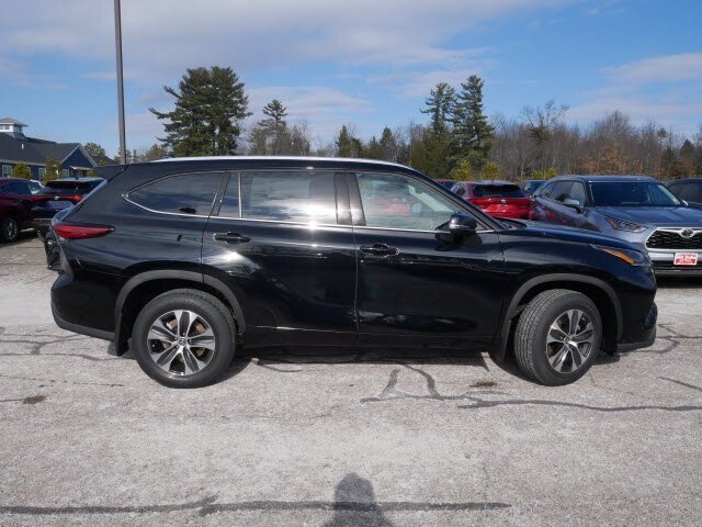 2021 Midnight Black Metallic Toyota Highlander XLE SUV 4 Door Automatic Regular Unleaded V-6 3.5 L/211 Engine