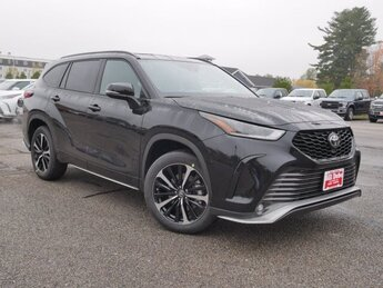 2021 Midnight Black Metallic Toyota Highlander XSE 4 Door SUV Automatic AWD 3.5L V6 Engine