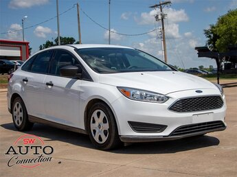 2018 Oxford White Ford Focus S FWD Car 2.0L I4 DGI Ti-VCT Engine