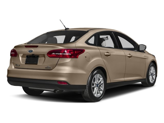 2018 White Gold Metallic Ford Focus SE EcoBoost 1.0L I3 GTDi DOHC Turbocharged VCT Engine FWD Sedan