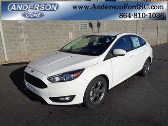 2018 Oxford White Ford Focus SE 4 Door FWD Sedan EcoBoost 1.0L I3 GTDi DOHC Turbocharged VCT Engine Automatic