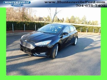 2018 Shadow Black Ford Focus Titanium 2.0L I4 DGI Ti-VCT Engine FWD 4 Door