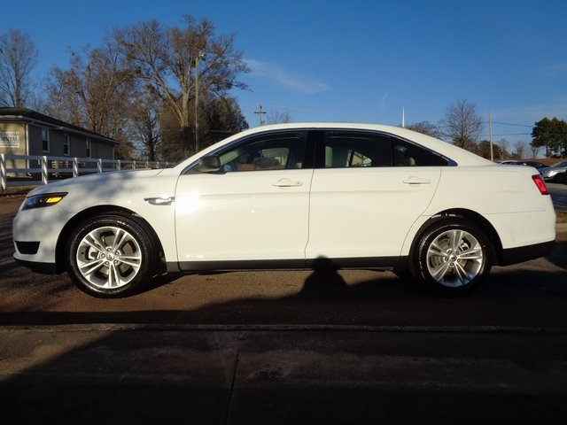 2019 Oxford White Ford Taurus SE 4 Door Sedan Automatic FWD 3.5L V6 Ti-VCT Engine