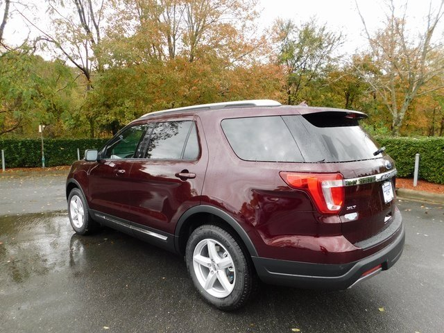 2019 Burgundy Velvet Metallic Tinted Clearcoat Ford Explorer XLT FWD 4 Door SUV Automatic 3.5L V6 Ti-VCT Engine