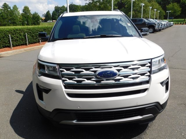 2018 White Ford Explorer XLT Automatic 3.5L V6 Ti-VCT Engine 4 Door FWD