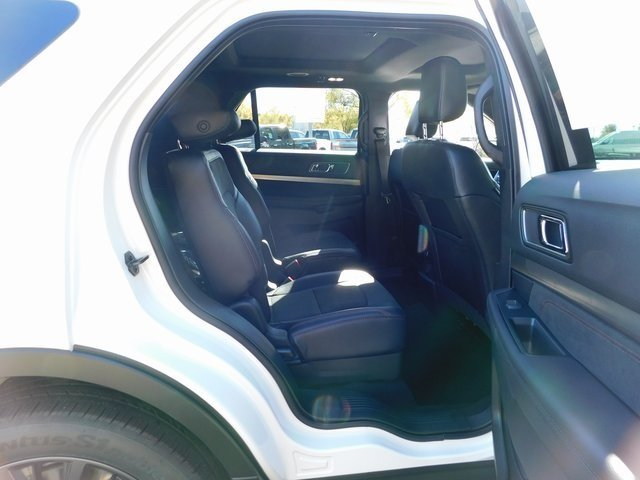 2019 White Ford Explorer XLT SUV Automatic 4X4