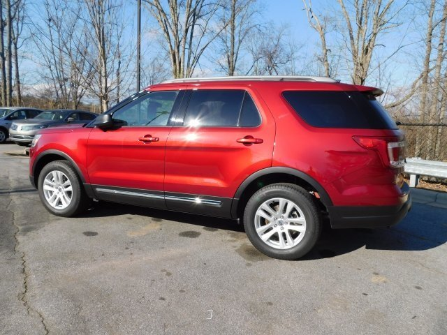 2019 Ruby Red Metallic Tinted Clearcoat Ford Explorer XLT 4X4 Automatic 3.5L V6 Ti-VCT Engine 4 Door SUV