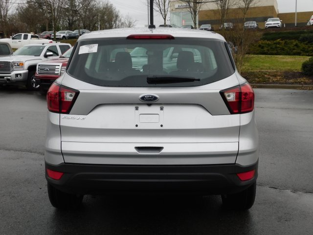 2019 Ingot Silver Metallic Ford Escape S 2.5L iVCT Engine FWD 4 Door SUV