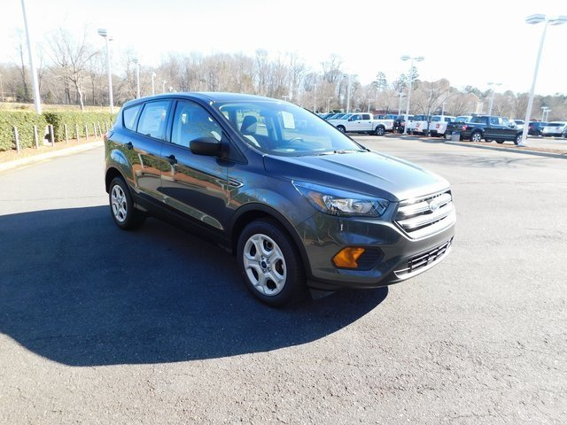 2019 Magnetic Metallic Ford Escape S 4 Door SUV 2.5L iVCT Engine FWD Automatic