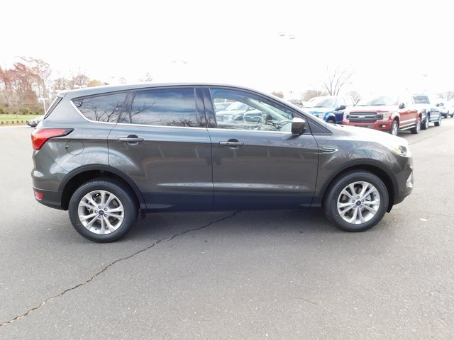 2019 Magnetic Metallic Ford Escape SE SUV EcoBoost 1.5L I4 GTDi DOHC Turbocharged VCT Engine 4 Door