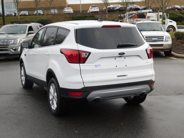 2019 Oxford White Ford Escape SE 4 Door EcoBoost 1.5L I4 GTDi DOHC Turbocharged VCT Engine SUV FWD Automatic