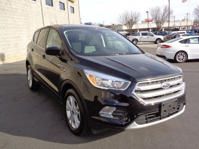 2017 Shadow Black Ford Escape SE SUV 4 Door FWD Automatic