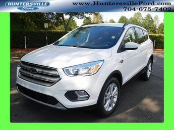 2018 Oxford White Ford Escape SE EcoBoost 1.5L I4 GTDi DOHC Turbocharged VCT Engine FWD Automatic