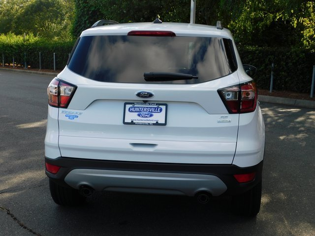 2018 Oxford White Ford Escape SE Automatic EcoBoost 1.5L I4 GTDi DOHC Turbocharged VCT Engine 4 Door SUV FWD