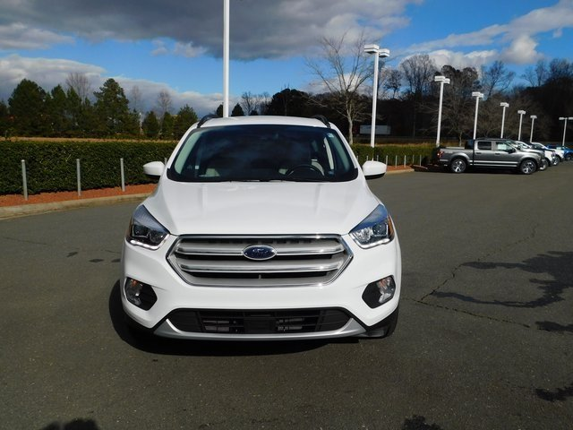 2019 Oxford White Ford Escape SEL EcoBoost 1.5L I4 GTDi DOHC Turbocharged VCT Engine SUV 4 Door Automatic FWD