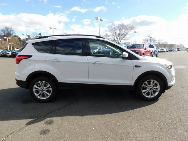 2019 Oxford White Ford Escape SEL FWD SUV Automatic 4 Door EcoBoost 1.5L I4 GTDi DOHC Turbocharged VCT Engine