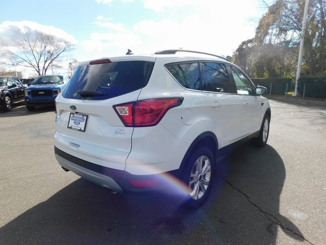 2019 Oxford White Ford Escape SEL FWD EcoBoost 1.5L I4 GTDi DOHC Turbocharged VCT Engine SUV 4 Door