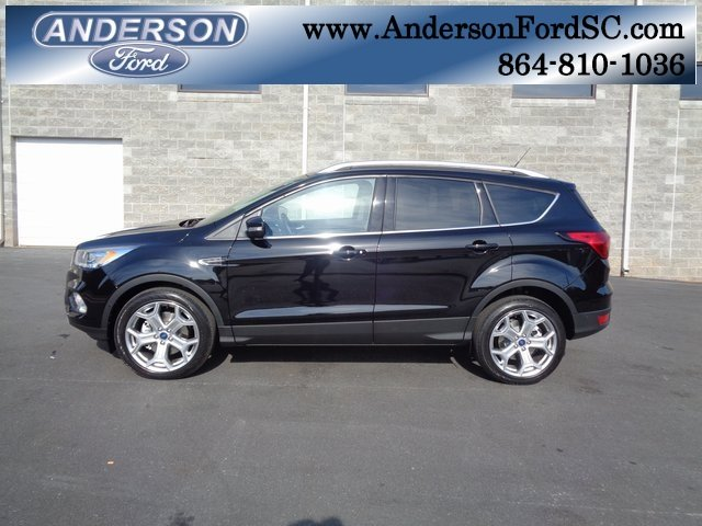 2019 Agate Black Metallic Ford Escape Titanium 4 Door EcoBoost 2.0L I4 GTDi DOHC Turbocharged VCT Engine FWD