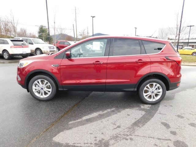 2019 Ruby Red Metallic Tinted Clearcoat Ford Escape SE 4X4 SUV Automatic 4 Door EcoBoost 1.5L I4 GTDi DOHC Turbocharged VCT Engine