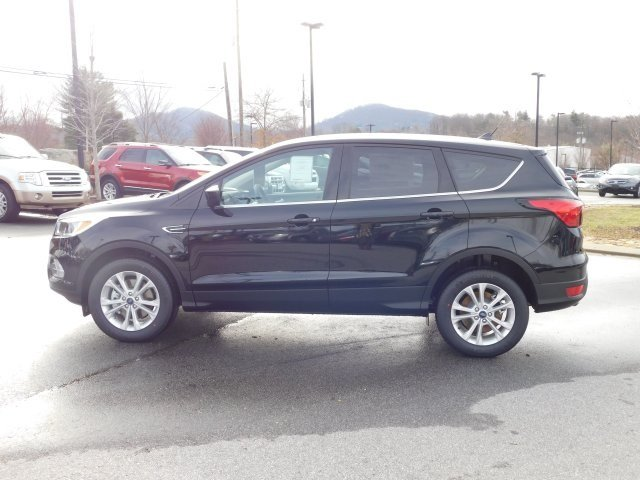 2019 Agate Black Metallic Ford Escape SE Automatic EcoBoost 1.5L I4 GTDi DOHC Turbocharged VCT Engine 4X4 SUV 4 Door